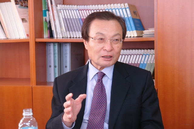 Lee Haechan, Member of the National Assembly, Says 温故知新 대표 이미지