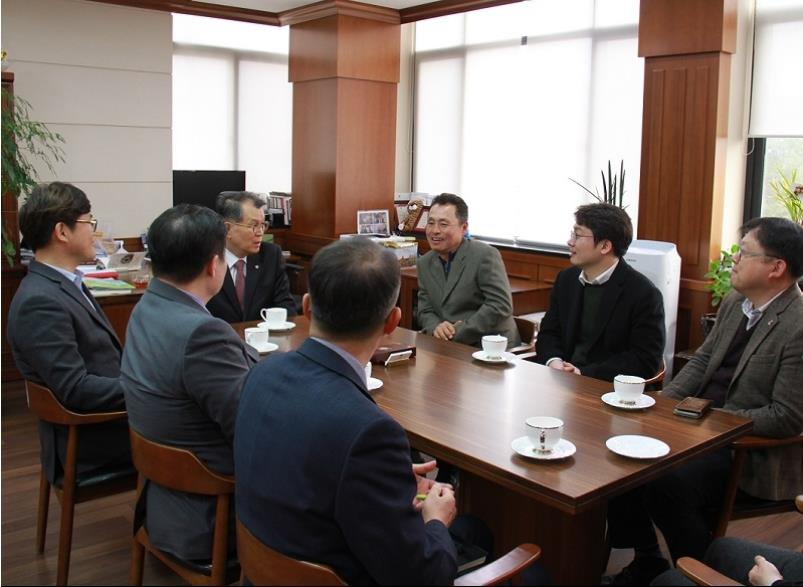 A Visit by College of Science and Technology Alumni Association ...게시물의 첨부이미지
